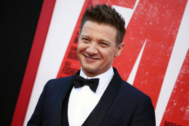"jeremy - JEREMY RENNER TO JOIN JAMIE FOXX IN ""SPAWN"""
